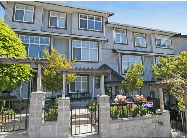 Main Photo: # 2 22466 NORTH AV in Maple Ridge: East Central Condo for sale : MLS® # V1059222