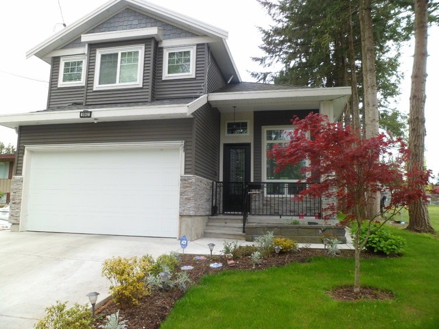Main Photo: 9942 127A ST in Surrey: Cedar Hills House for sale (North Surrey)  : MLS(r) # F1411112