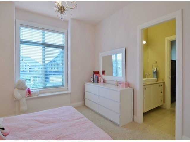 Photo 13: 16366 25TH AV in Surrey: Grandview Surrey House for sale (South Surrey White Rock)  : MLS® # F1425762
