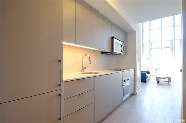 Photo 12: 5 Hanna Ave Unit #405 in Toronto: Niagara Condo for sale (Toronto C01)  : MLS(r) # C3572052