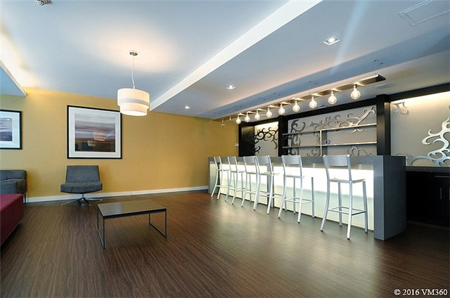 Photo 9: 5 Hanna Ave Unit #405 in Toronto: Niagara Condo for sale (Toronto C01)  : MLS(r) # C3572052