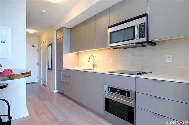 Photo 14: 5 Hanna Ave Unit #405 in Toronto: Niagara Condo for sale (Toronto C01)  : MLS(r) # C3572052