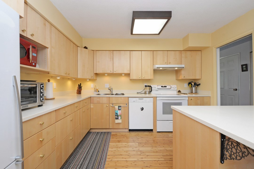 Photo 6: 3 114 PARK ROW in New Westminster: Queens Park Townhouse for sale : MLS(r) # R2131845