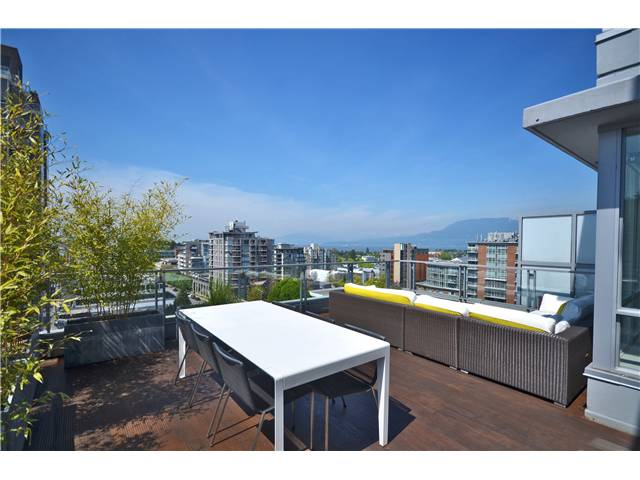 "Main Photo: 902 1530 W 8TH Avenue in Vancouver: Fairview VW Condo for sale in ""PINTURA"" (Vancouver West)  : MLS® # V1006974"
