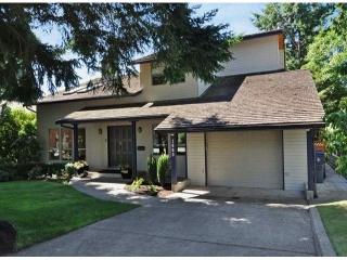 "Main Photo: 1669 146 Street in Surrey: Sunnyside Park Surrey House for sale in ""The Glens"" (South Surrey White Rock)  : MLS®# F1318307"