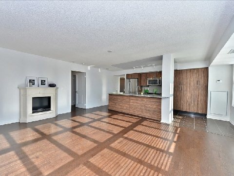 Photo 3: 17 85 East Liberty Street in Toronto: Niagara Condo for sale (Toronto C01)  : MLS® # C2742981