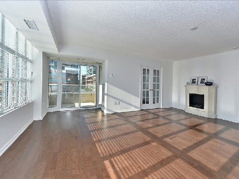 Photo 4: 17 85 East Liberty Street in Toronto: Niagara Condo for sale (Toronto C01)  : MLS® # C2742981