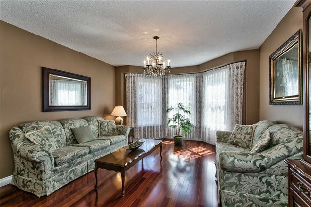Photo 5: 4490 Violet Road in Mississauga: East Credit Freehold for sale