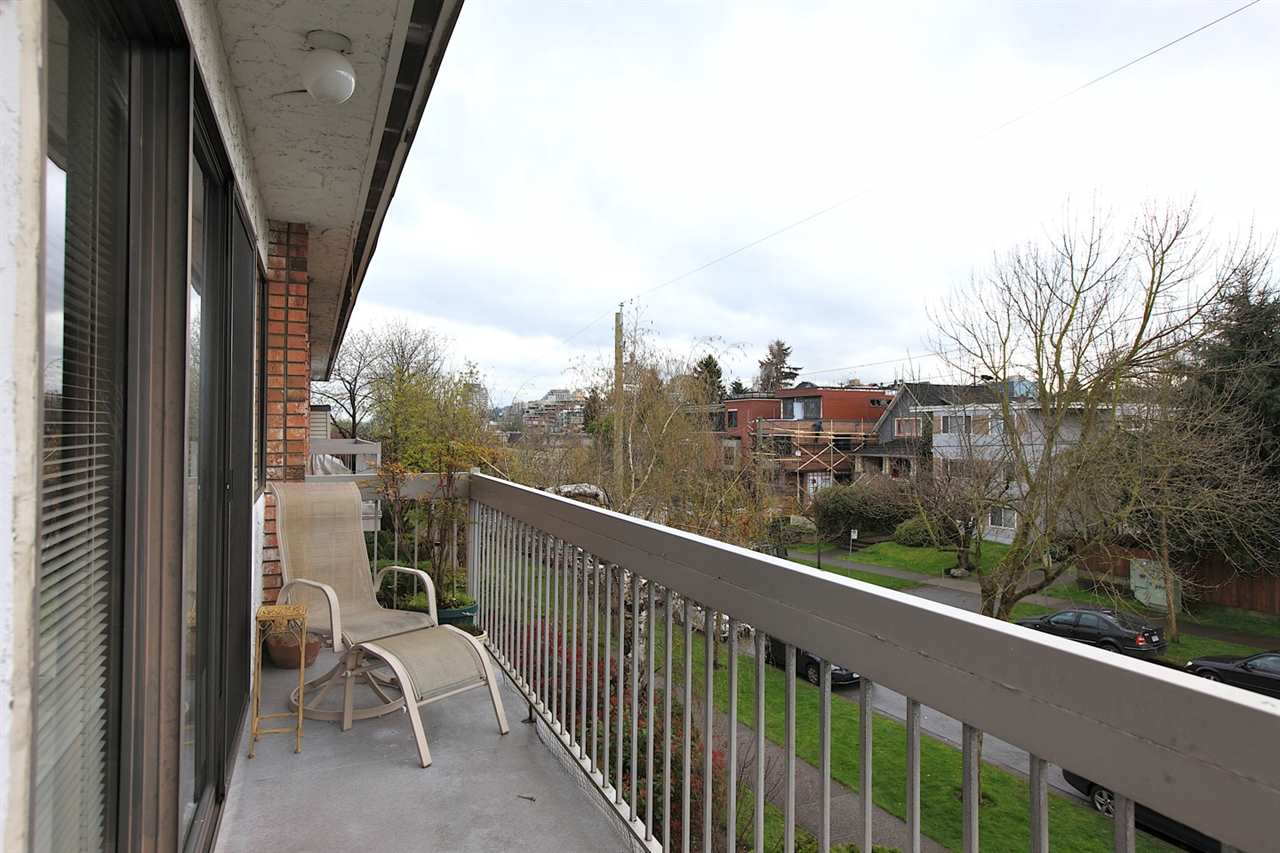 Photo 12: 301 2080 MAPLE STREET in Vancouver: Kitsilano Condo for sale (Vancouver West)  : MLS(r) # R2049376