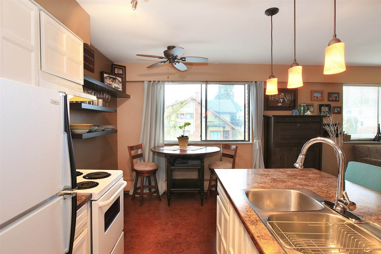 Photo 4: 301 2080 MAPLE STREET in Vancouver: Kitsilano Condo for sale (Vancouver West)  : MLS(r) # R2049376