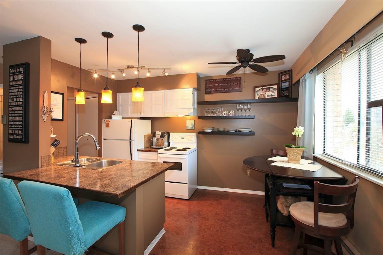 Photo 5: 301 2080 MAPLE STREET in Vancouver: Kitsilano Condo for sale (Vancouver West)  : MLS(r) # R2049376