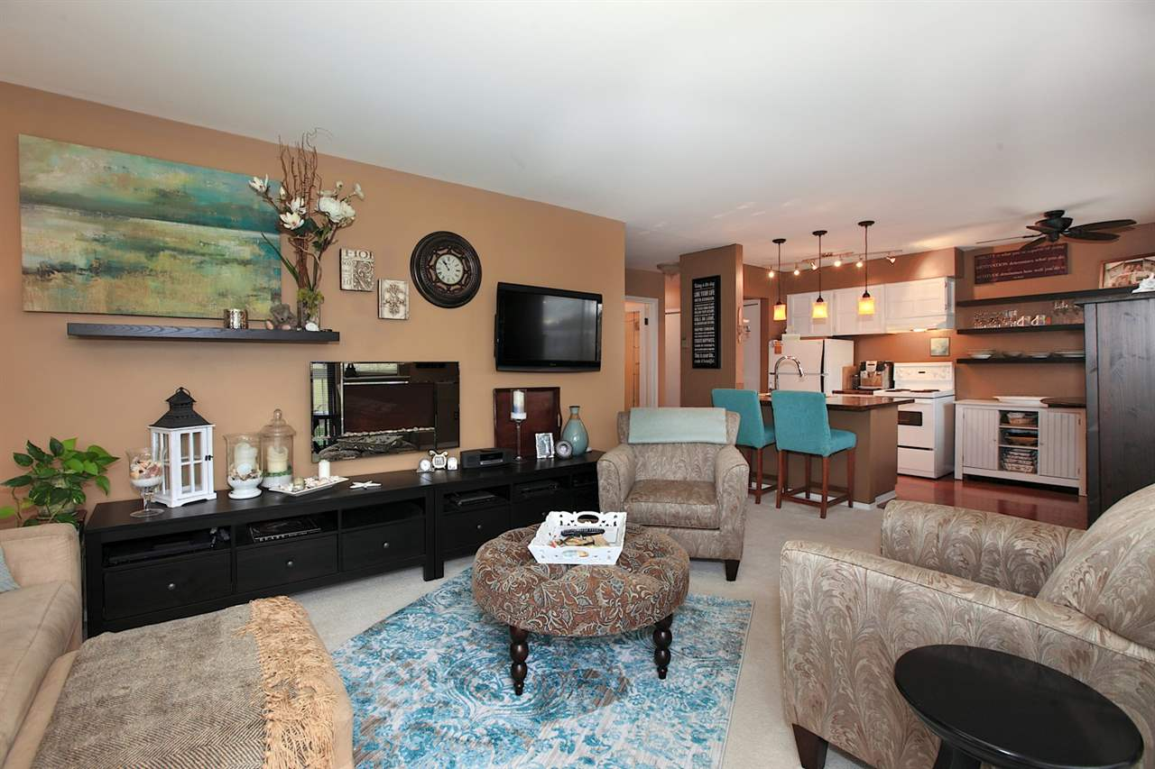 Photo 2: 301 2080 MAPLE STREET in Vancouver: Kitsilano Condo for sale (Vancouver West)  : MLS(r) # R2049376