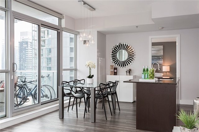 Photo 4: 375 King St W Unit #3307 in Toronto: Waterfront Communities C1 Condo for sale (Toronto C01)  : MLS(r) # C3695020