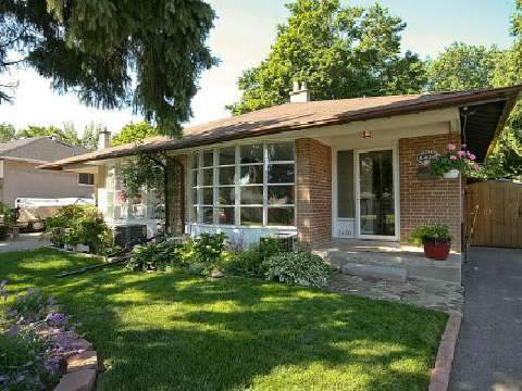 Main Photo: 1420 Buckby Road in Mississauga: Clarkson House (Backsplit 4) for sale : MLS®# W2689951