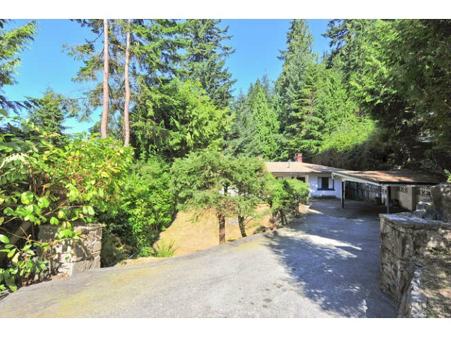 Main Photo: 499 VENTURA Crescent in North Vancouver: Upper Delbrook House for sale : MLS®# V1078211