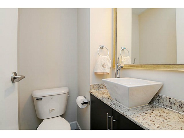 Photo 10: 231 2108 Rowland Street in Port Coquitlam: Central Pt Coquitlam Townhouse for sale (Port Moody)  : MLS® # V1092687