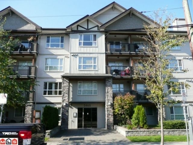 Photo 1: 212 5465 203 STREET in Langley: Langley City Condo for sale : MLS® # R2108169