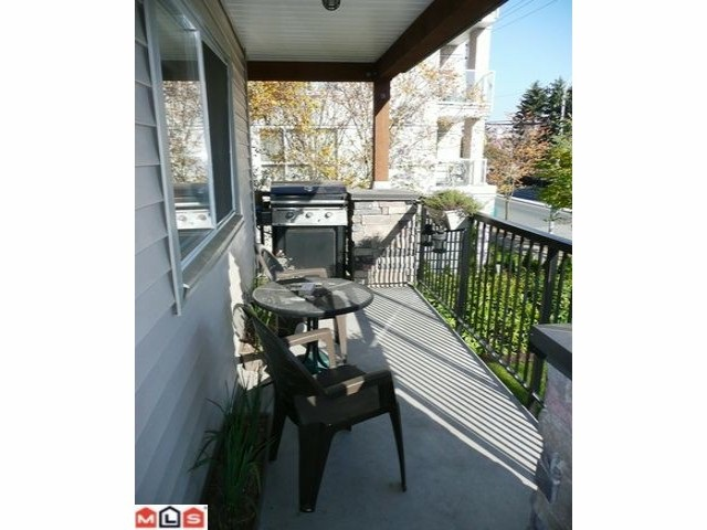 Photo 6: 212 5465 203 STREET in Langley: Langley City Condo for sale : MLS® # R2108169