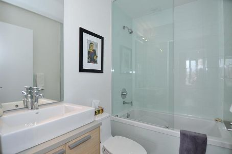 Photo 7: 7 138 Princess Street in Toronto: Moss Park Condo for sale (Toronto C08)  : MLS® # C2560939