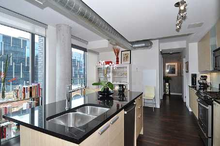 Photo 3: 7 138 Princess Street in Toronto: Moss Park Condo for sale (Toronto C08)  : MLS® # C2560939