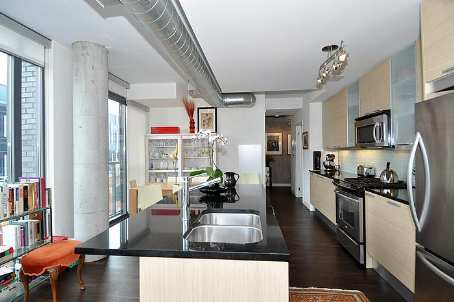 Photo 2: 7 138 Princess Street in Toronto: Moss Park Condo for sale (Toronto C08)  : MLS® # C2560939
