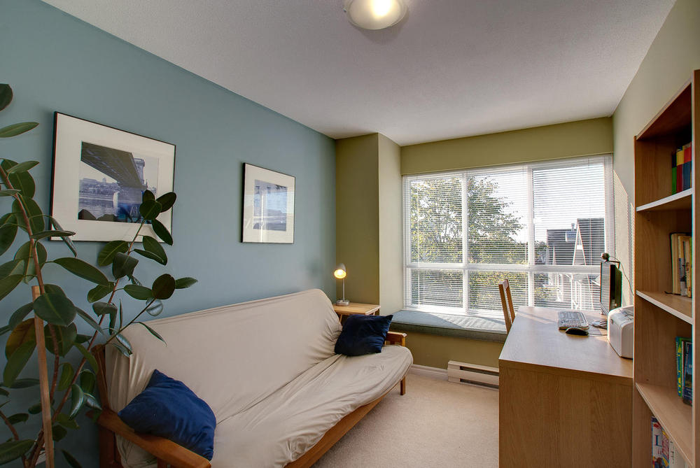 Photo 8: 7335 Magnolia Te in Burnaby: Home for sale : MLS(r) # V916610