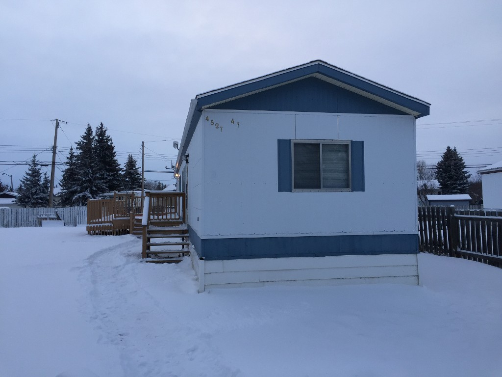 Main Photo: 4527 47 Avenue in Mayerthorpe: Mobile for sale : MLS® # 42165