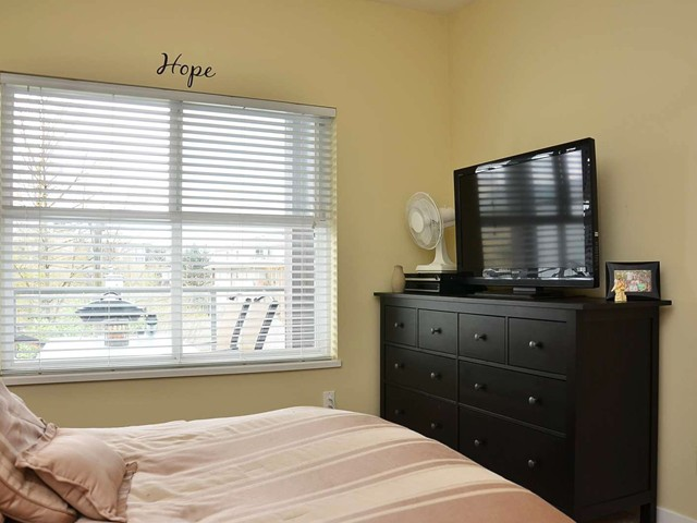 "Photo 9: 305 2488 KELLY Avenue in Port Coquitlam: Central Pt Coquitlam Condo for sale in ""SYMPHONY"" : MLS(r) # V942138"
