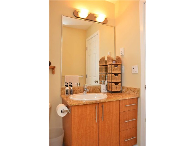 "Photo 10: 305 2488 KELLY Avenue in Port Coquitlam: Central Pt Coquitlam Condo for sale in ""SYMPHONY"" : MLS(r) # V942138"