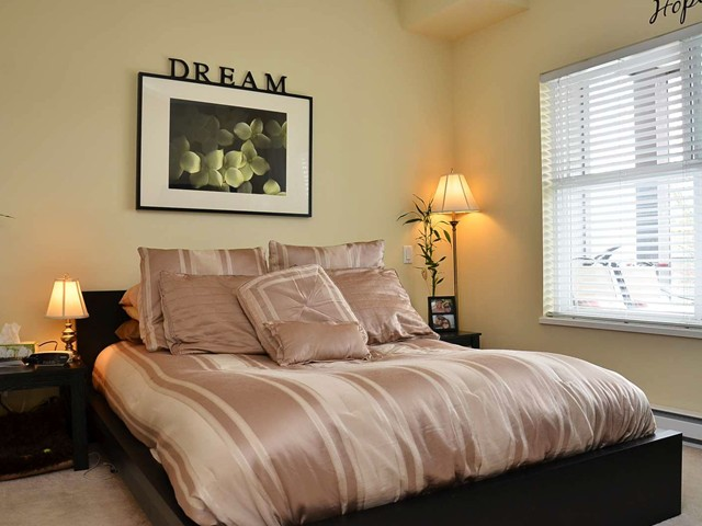 "Photo 8: 305 2488 KELLY Avenue in Port Coquitlam: Central Pt Coquitlam Condo for sale in ""SYMPHONY"" : MLS(r) # V942138"