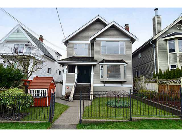 "Main Photo: 35 W 15TH Avenue in Vancouver: Mount Pleasant VW House Duplex for sale in ""MOUNT PLEASANT WEST"" (Vancouver West)  : MLS® # V996233"