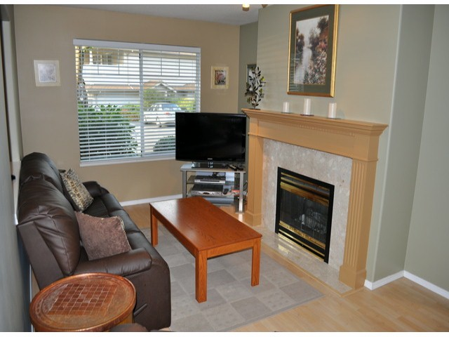 "Photo 2: 139 20391 96TH Avenue in Langley: Walnut Grove Townhouse for sale in ""Chelsea Green"" : MLS® # F1321790"