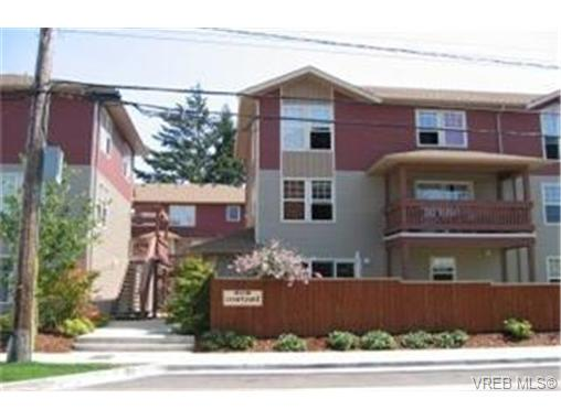 Main Photo: 19 2711 Jacklin Road in VICTORIA: La Langford Proper Townhouse for sale (Langford)  : MLS(r) # 228934