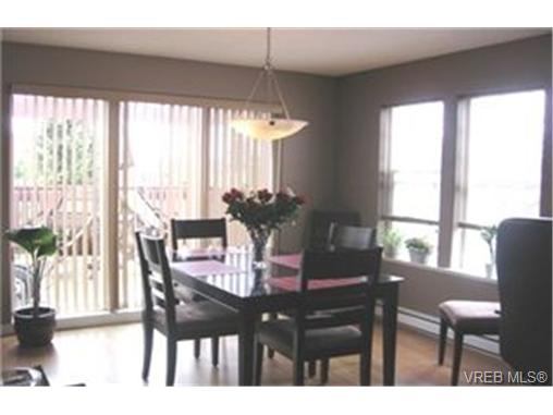 Photo 3: 19 2711 Jacklin Road in VICTORIA: La Langford Proper Townhouse for sale (Langford)  : MLS(r) # 228934