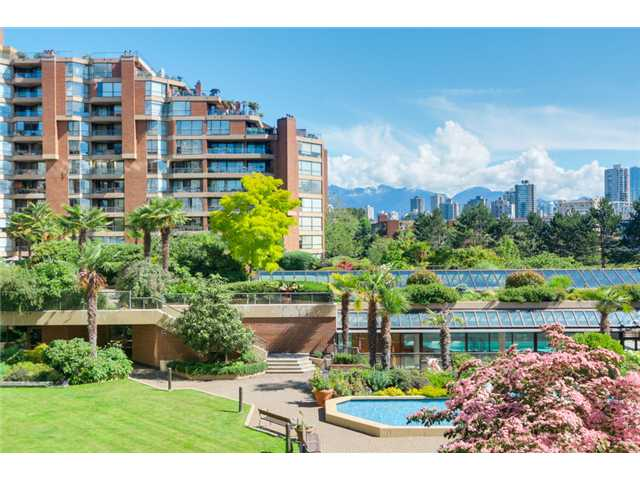 Main Photo: 208 1490 Pennyfarthing in Vancouver: False Creek Condo for sale (Vancouver West)  : MLS® # V1072315