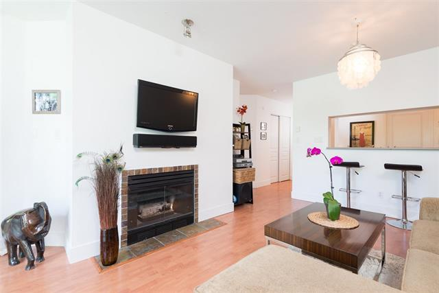 Main Photo: : Condo for sale (Vancouver East)  : MLS® # R2067640