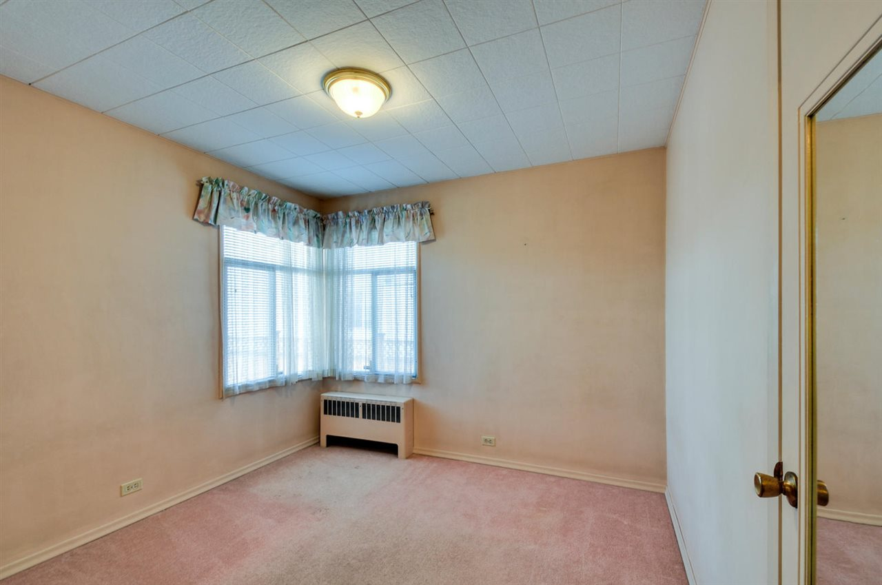 Photo 9: 4868 SMITH AVENUE in Burnaby: Central Park BS House for sale (Burnaby South)  : MLS® # R2141670