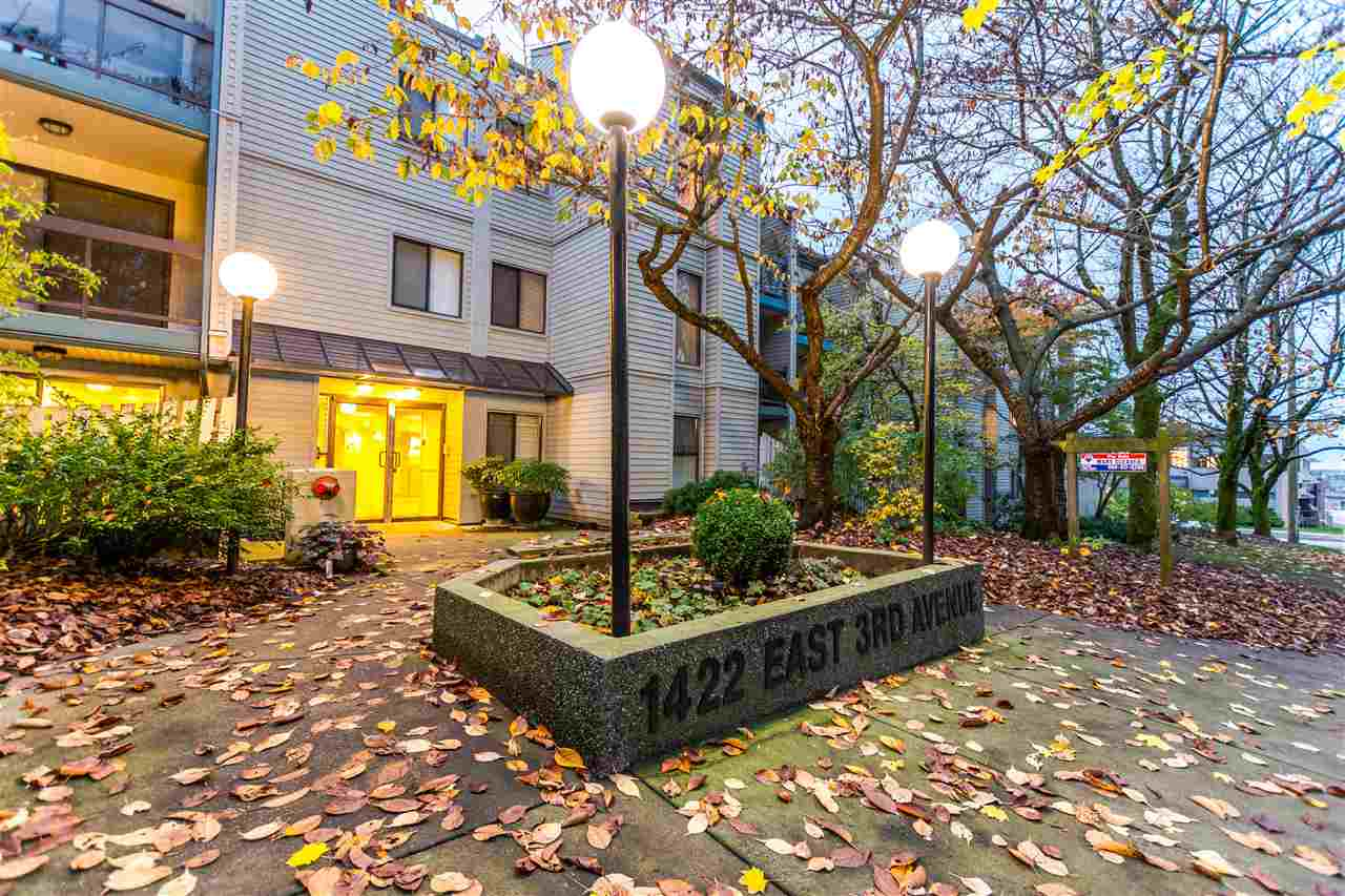 Main Photo: 304 1422 E 3RD AVENUE in Vancouver: Grandview VE Condo for sale (Vancouver East)  : MLS®# R2142209