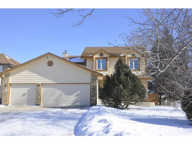 Main Photo: 35 Bramble Drive in WINNIPEG: Charleswood Residential for sale (South Winnipeg)  : MLS® # 1204287