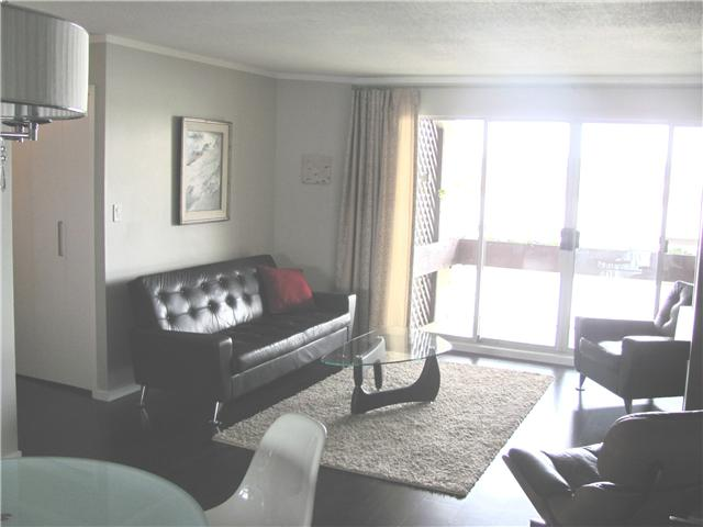 "Photo 3: 204 3 K DE K Court in New Westminster: Quay Condo for sale in ""QUAYSIDE TERRACE"" : MLS® # V945400"