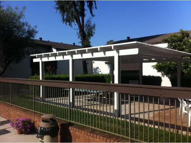 Photo 9: MISSION VALLEY Condo for sale : 2 bedrooms : 8075 Caminito De Pizza #C in San Diego