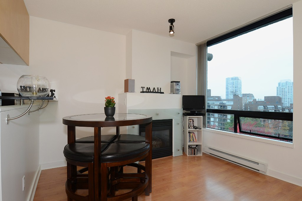 Photo 5: 706 1003 BURNABY Street in Vancouver: West End VW Condo for sale (Vancouver West)  : MLS(r) # V977698