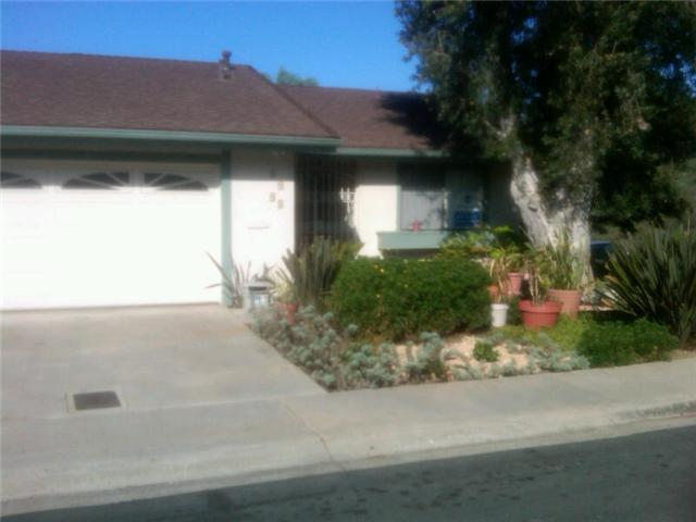 Photo 3: CLAIREMONT House for sale : 3 bedrooms : 4494 Caminito Cuarzo in San Diego