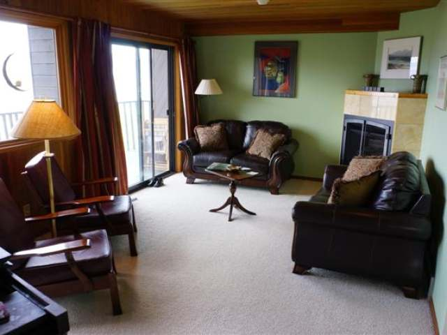 Photo 11: 110 WADDINGTON DRIVE in Kamloops: Sahali Residential Detached for sale : MLS(r) # 110059