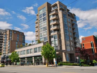 "Main Photo: 404 2483 SPRUCE Street in Vancouver: Fairview VW Condo for sale in ""SKYLINE"" (Vancouver West)  : MLS® # V953379"