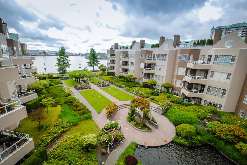 Photo 16: # 409 1150 QUAYSIDE DR in New Westminster: Quay Condo for sale : MLS® # V1109287