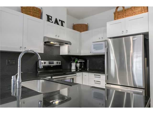 "Photo 7: 119 738 E 29TH Avenue in Vancouver: Fraser VE Condo for sale in ""CENTURY"" (Vancouver East)  : MLS® # V1074241"