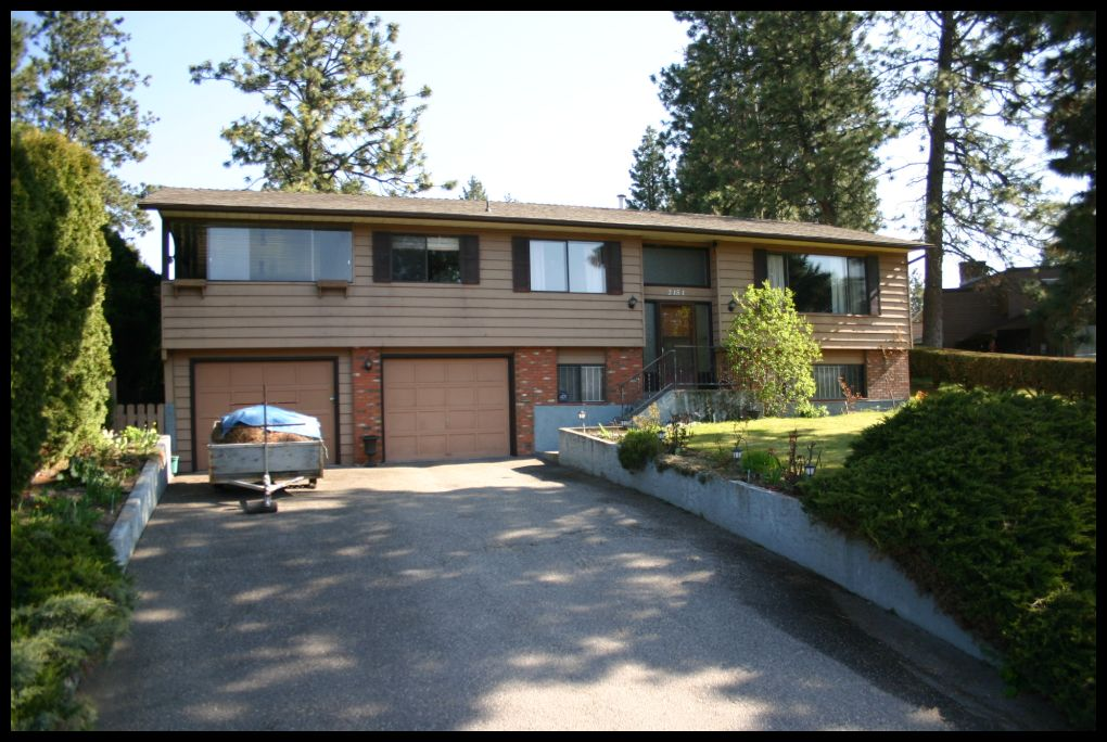 Main Photo: 2151 Michelle Crescent in Kelowna: Lakeridge Park House for sale (West Kelowna)  : MLS(r) # 10098133