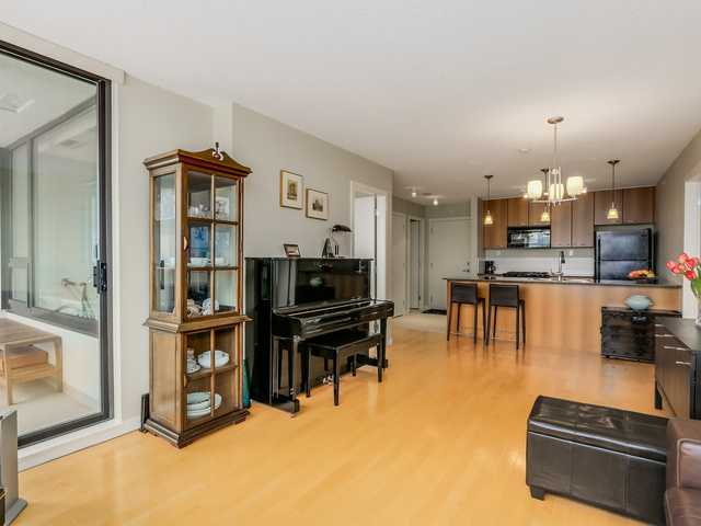 Photo 3: 1705 7108 Collier St in Burnaby: Highgate Condo for sale (Burnaby South)  : MLS® # V1115010
