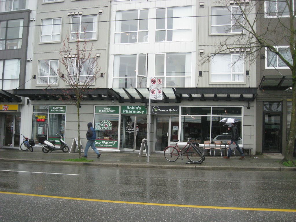 Main Photo: 916 Commercial Dr in Vancouver: Home for sale